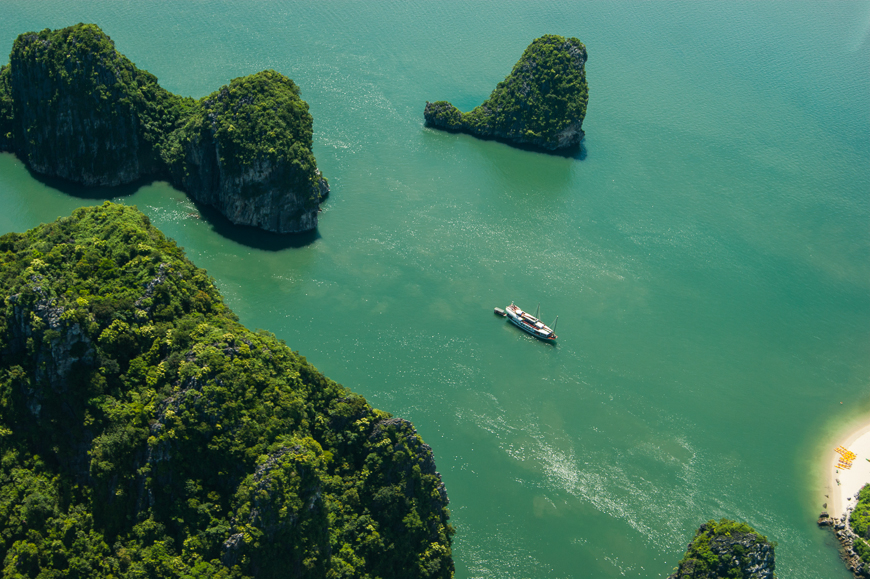 helicopter tour of halong bay